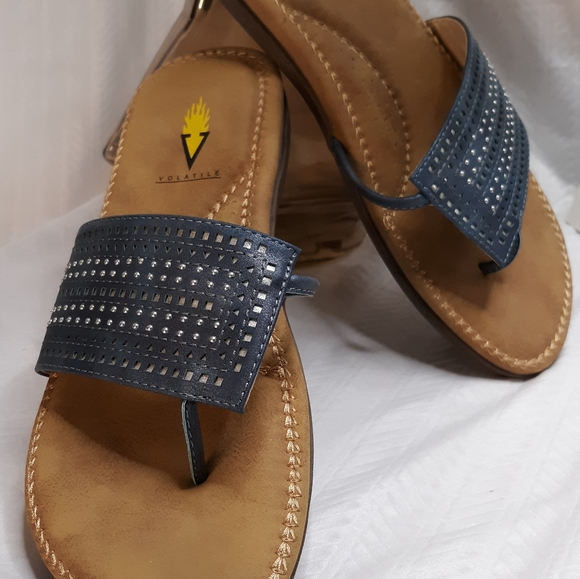 Volatile 8 Arch Support Sandal
